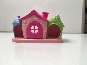 little pet shop house with magnetic door with Free Shipping