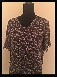 American Eagle Faded Black Floral size Womens Medium  FREE SHIPPING American Eagle Faded Black Floral size Womens Medium